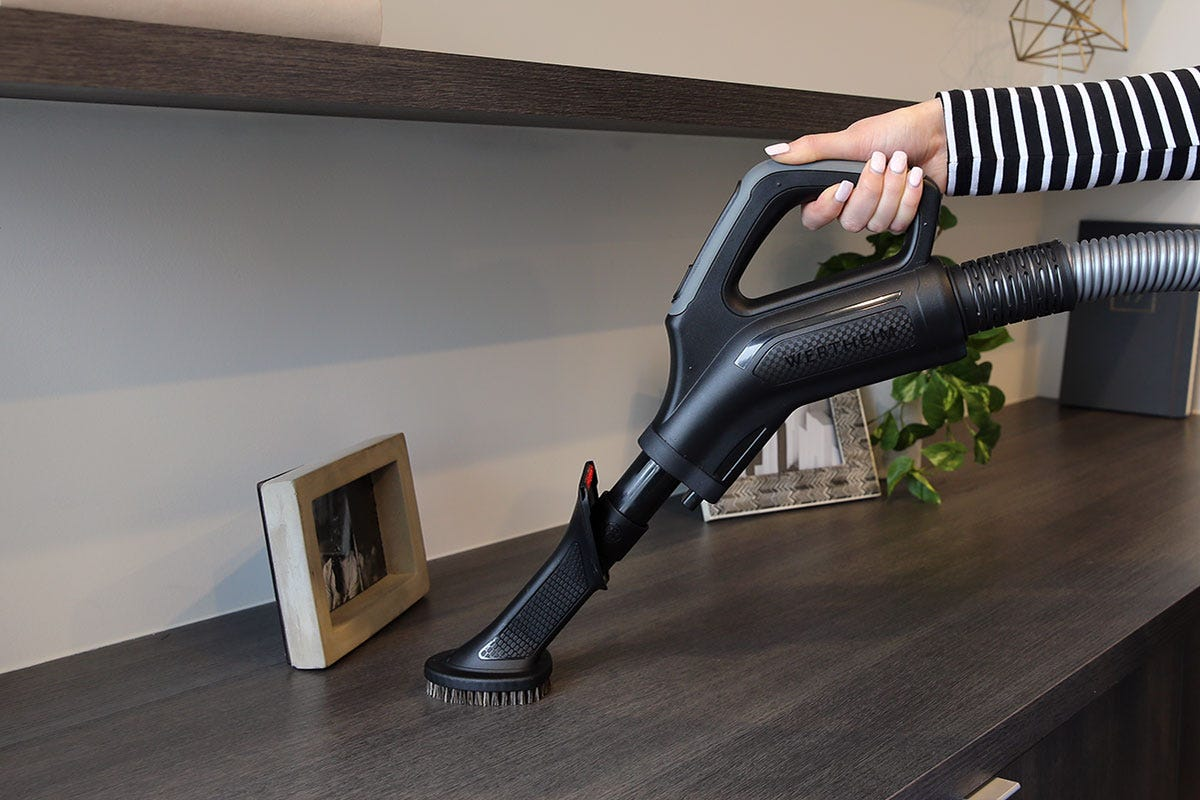 Using vacuum cleaner attachments